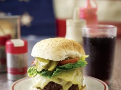 The-Ultimate-Cheeseburger-a-450x375